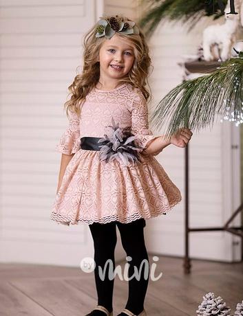 5512aa2ea97 Luxusní šaty